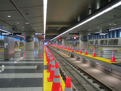 How to Ride Bay Area Rapid Transit (BART) (with Pictures)