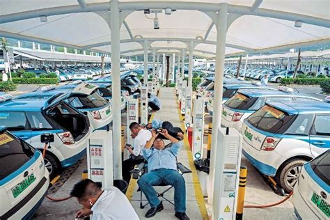 China reports world's largest network of charging