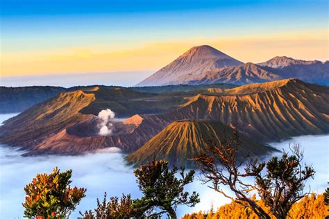 Explosive Landscapes: Remarkable Photos of Volcanoes to