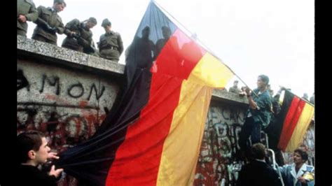 The Fall of The Berlin Wall (End to Cold War) - YouTube