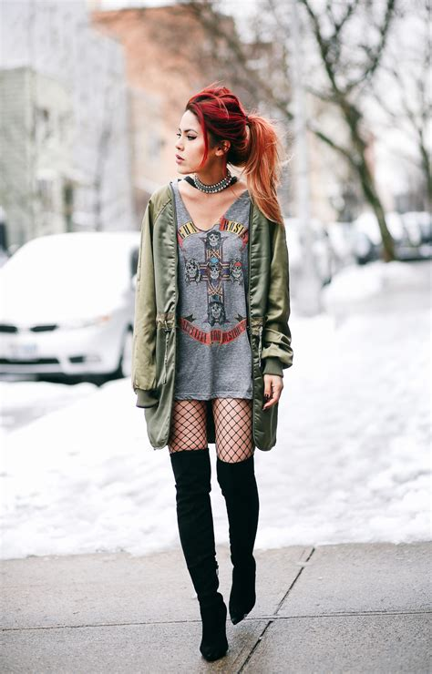 13 Outstanding Fishnet Tights Outfits That Everyone Will