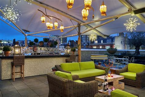 Swan On A Hot Gin Roof | London Pop-Up Reviews | DesignMyNight