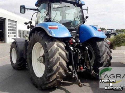 New Holland T 7