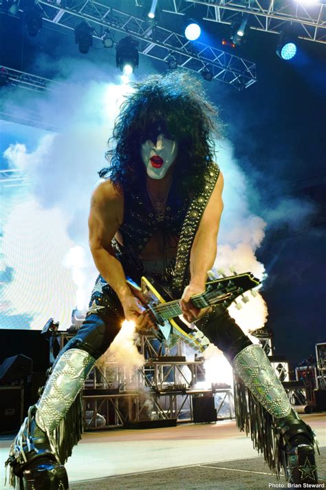 Concert Report Plus 80 Exclusive Photos: KISS Live in
